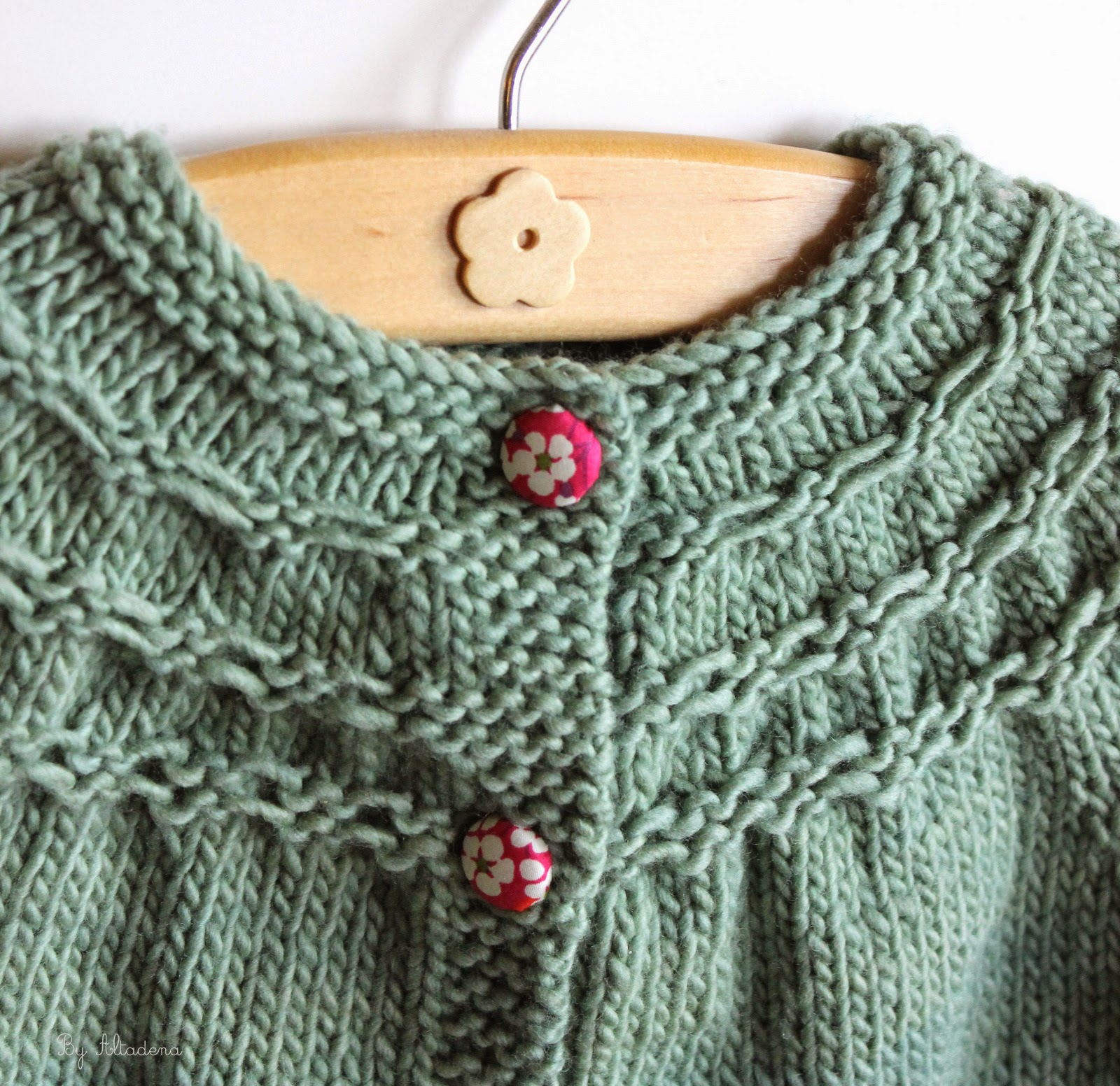 Knitting Pattern For Baby Seamless Yoked Sweater : Altadenas baby designs: Merry Christmas, part 3: Seamless Sweater