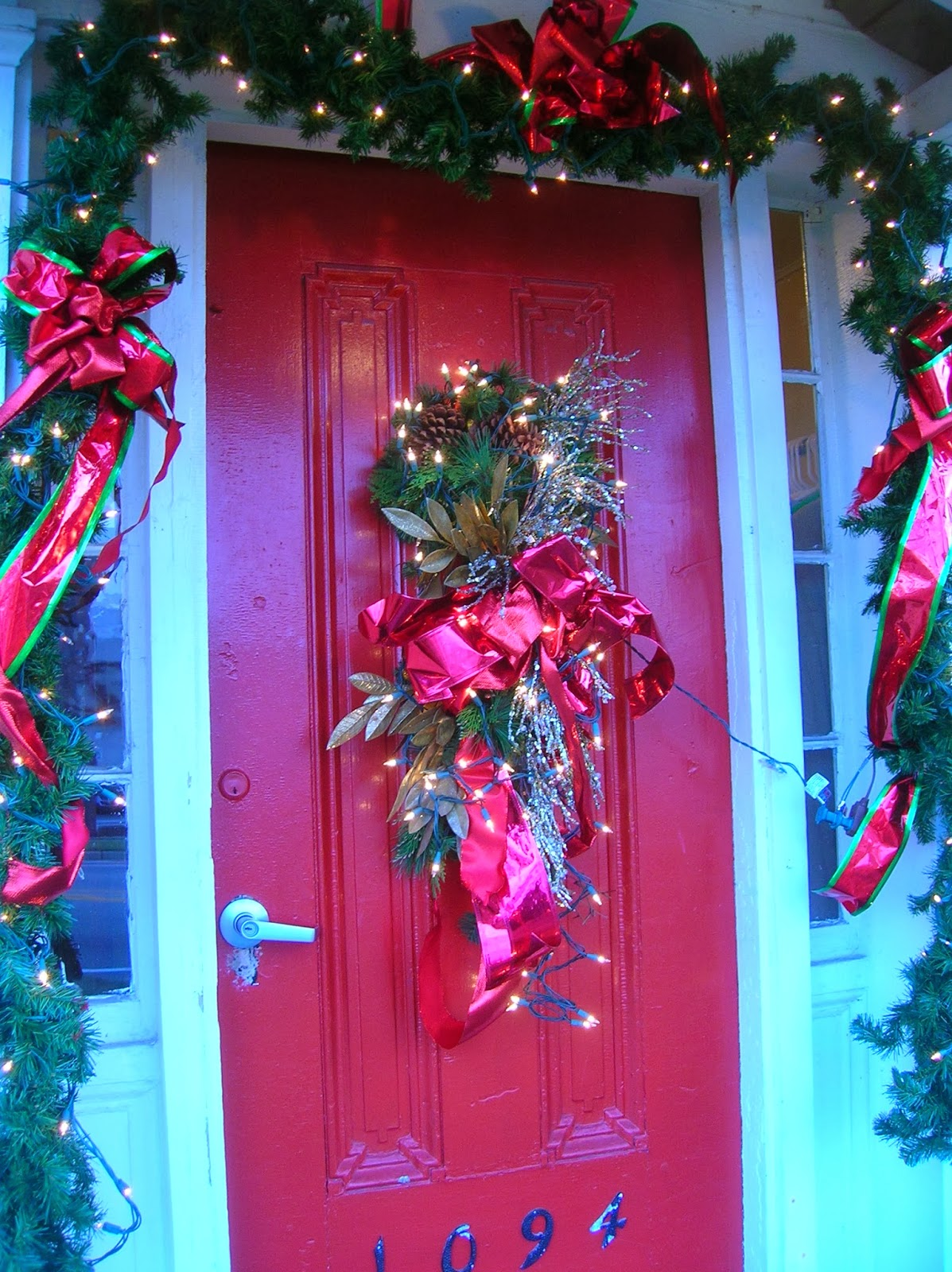 The amazing of christmas door decorating ideas stylish for Nursing home christmas door decorations