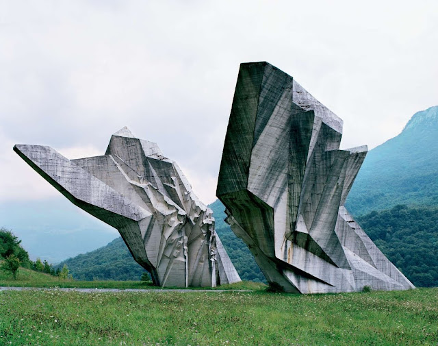 Imag Lugar Yugoslavia.jpg