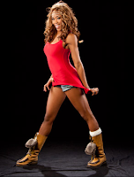 la hermosa alicia fox en minifalda, disfrazada para sesion de fotos exclusivas de la WWE