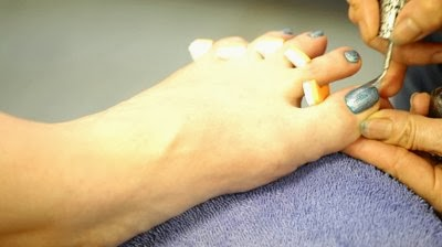 Pedicure-Polish-Your-Toes