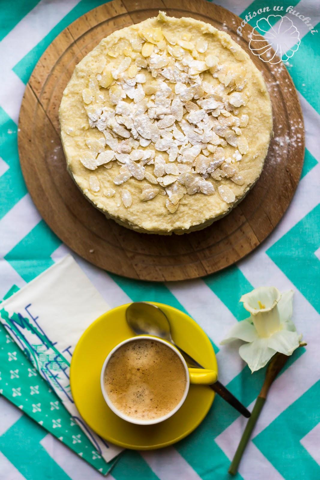 Coconut- vanilla milletcake.