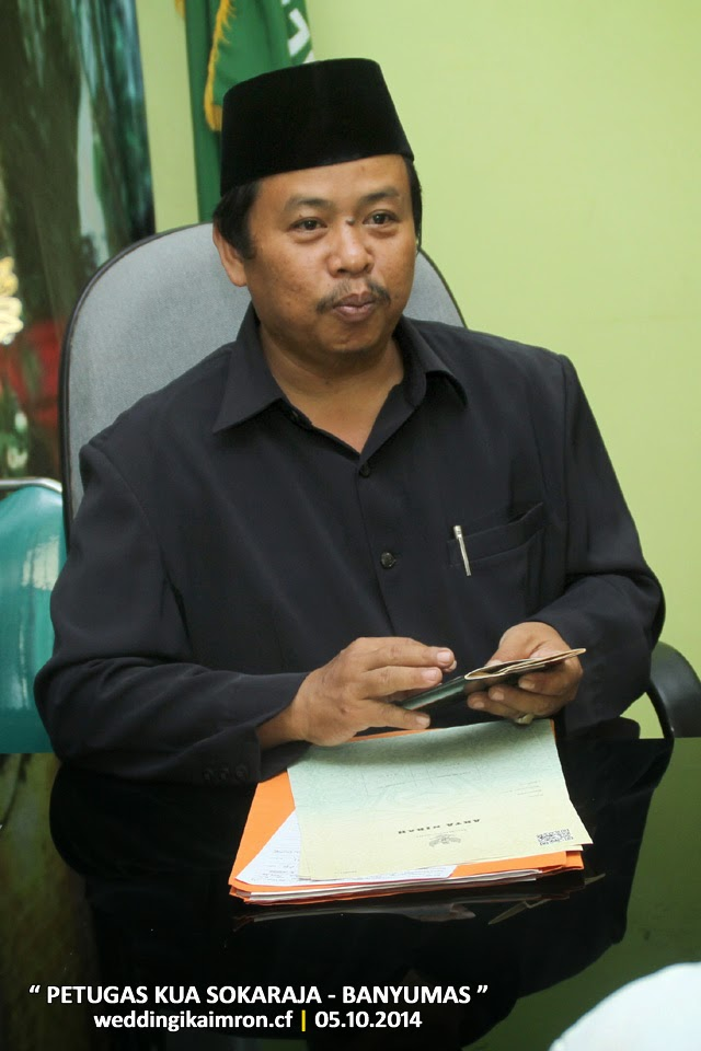 Foto Dokumentasi : Akad Nikah  IKA & IMRON, 5 Oktober 2014 di KUA Kec. Sokaraja - Banyumas, Jawa Tengah | Foto oleh : klikmg