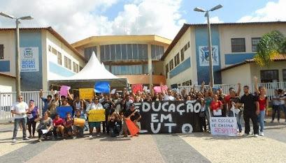 Rio das Ostras, 21 de maio de 2013: Paralisação da rede municipal