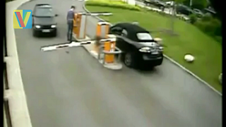 Parking Gate Fail