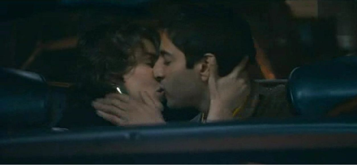 Lisa Ray Hot Kiss