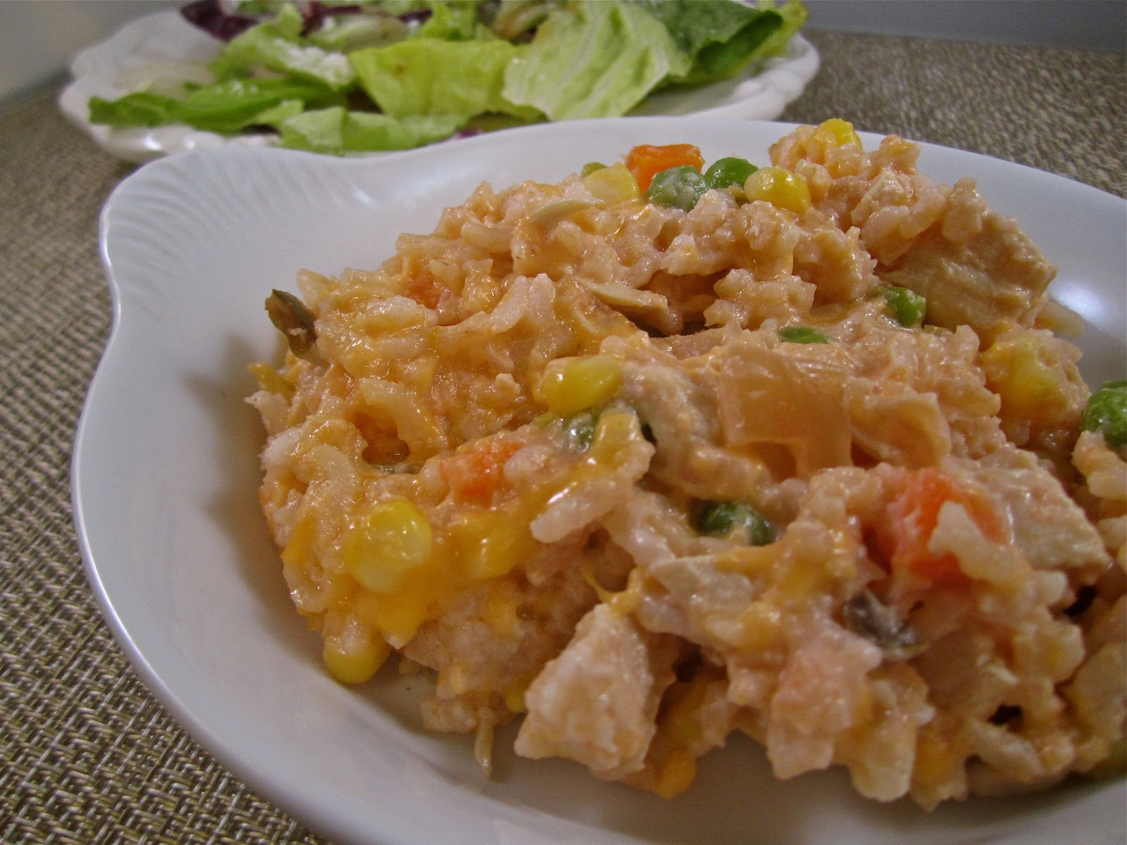 Stephanie Cooks: Cheesy Chicken and Rice