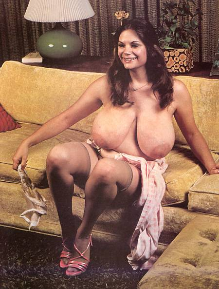 большая грудь большие соски ретро эротическое кино