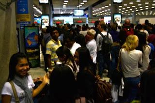 Trik Menghadapi petugas Imigrasi di Bandara untuk Pemula
