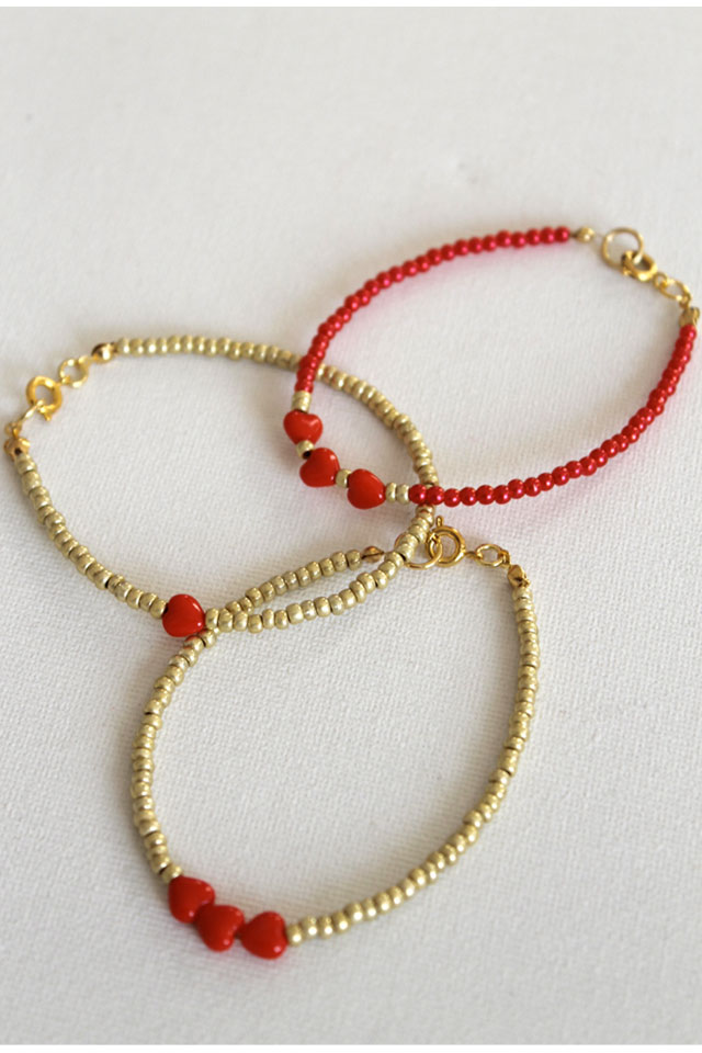 diy heart friendship bracelets lotts and lots making