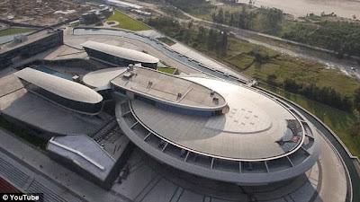 Offices In The Shape Of Star Trek Ship
