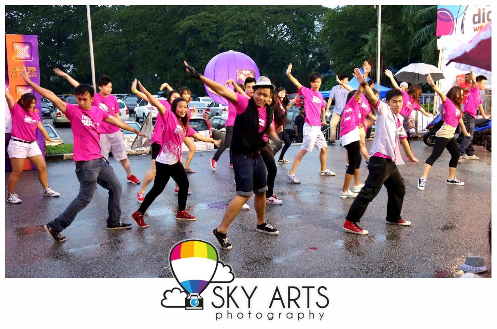 http://2.bp.blogspot.com/-5qD1HI-97LQ/ULwM9EHizVI/AAAAAAABqn0/oTXauhpjxJM/s1600/Jennifer+Lopez+%23DanceAgainWorldTour2012+Malaysia+Kuala+Lumpur+Live+Concert-00308.jpg