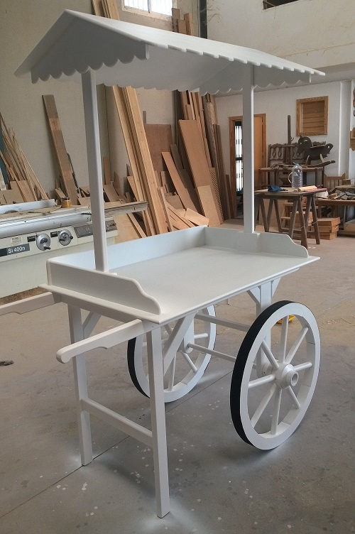 Madelet carritos en madera para candy bar for Bar rodante de madera