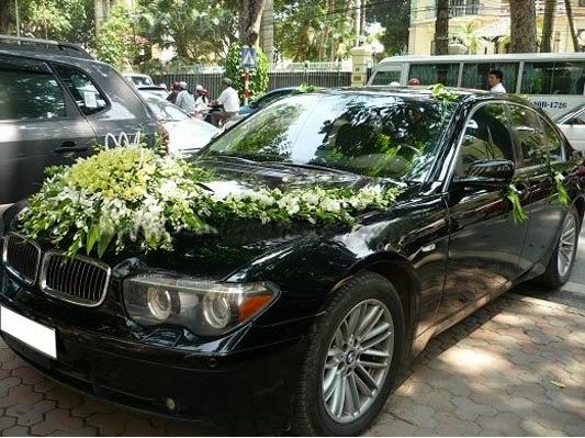 Cho thuê xe cưới vip BMW 750i tại Hà Nội