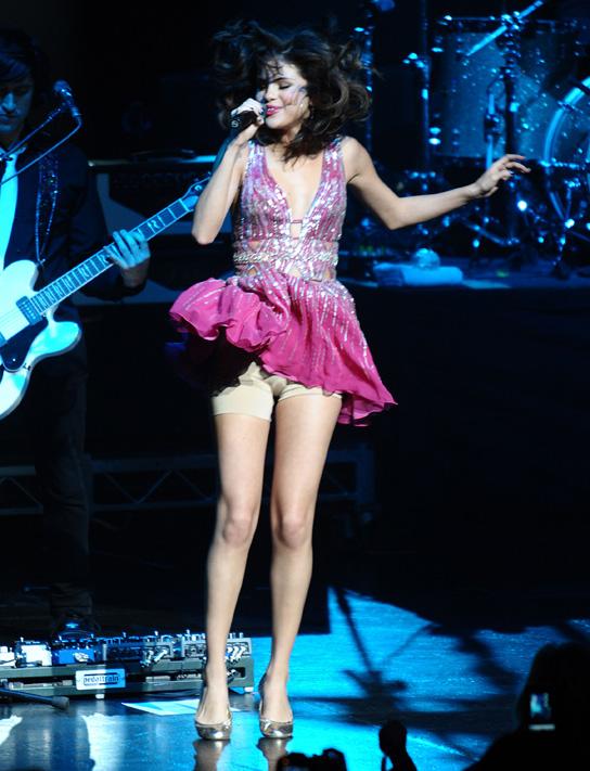 Selena Gomez Wardrobe Malfunction,