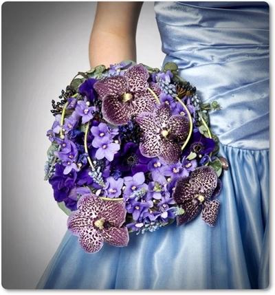 blue wedding bouquet, blå brudbukett, blå buktt, vanda orkide, brudbukett med st paulia