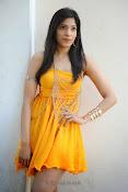 actress pragathi hot photos in yellow-thumbnail-19