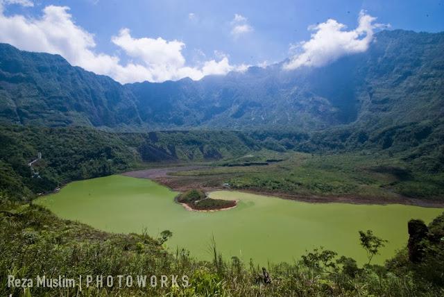 Paket Wisata Kampung Naga dan Gunung Galunggung Jawa Barat