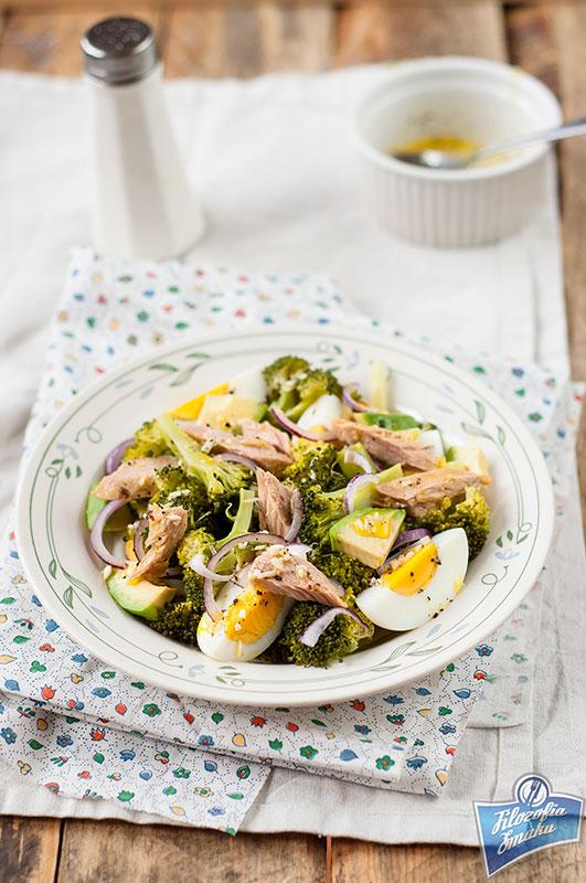 Sałatka z brokuła i tuńczyka