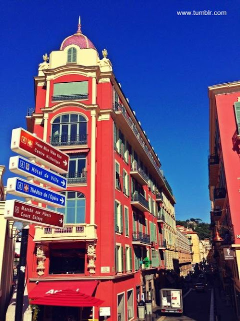 Riviera francesa edificios a color