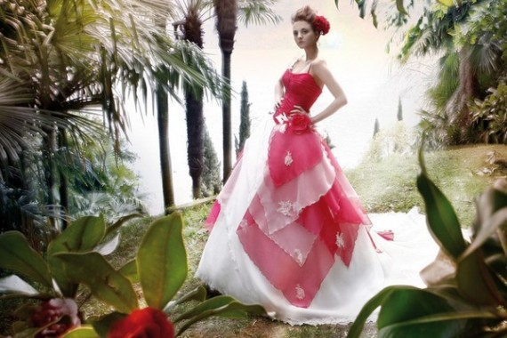 http://2.bp.blogspot.com/-5rKcASRjip4/TWEvLs4JVKI/AAAAAAAABN4/F7Dy672-5Y4/s1600/Wedding-Gowns-2011-Collection-With-Red-Color-Combination-from-Jillian-Sposa-1-570x380.jpg