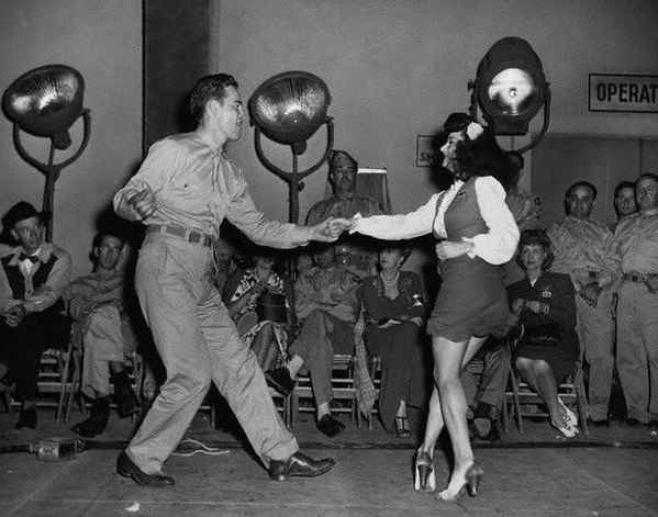 1940s Swing Dancers #vintage #lindy #hop #swing #dance