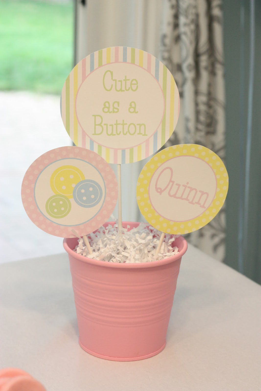 friend of ours made these gorgeous button cupcakes for the shower