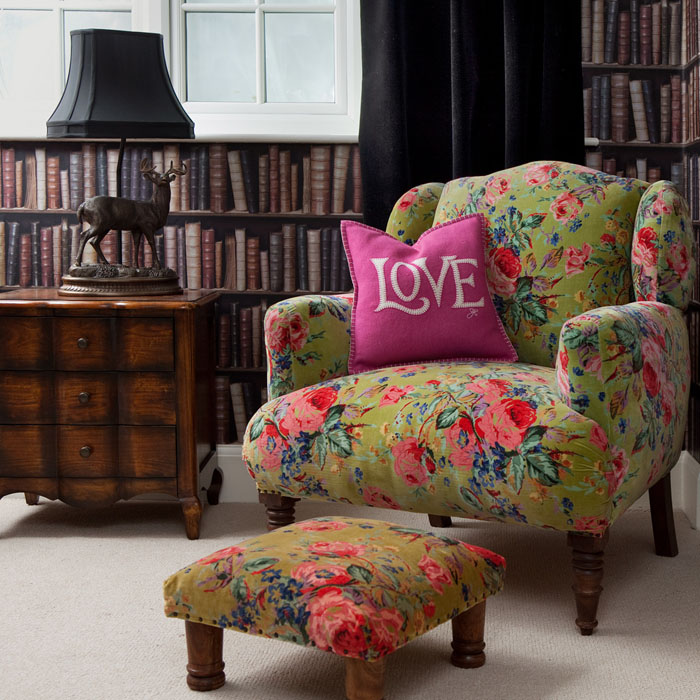 sillon tapizado con flores upholstered armchair