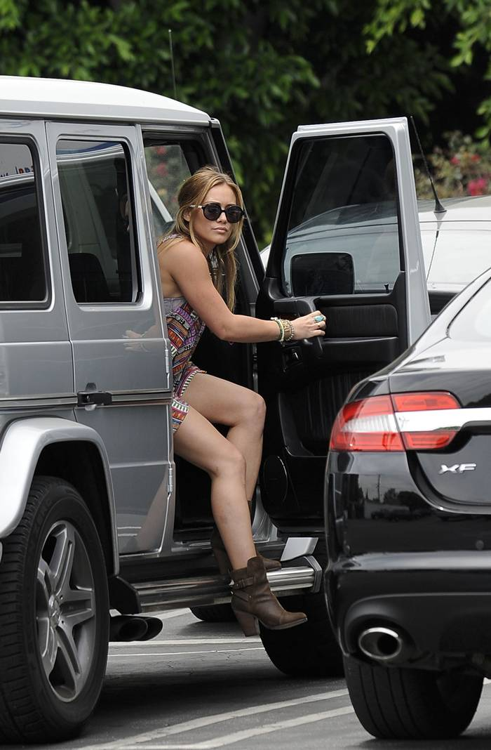 Hilary Duff — Candids in Los Angeles