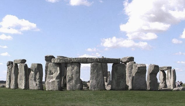why is the stonehenge considered art and why Christina spiker this course introduces the history of art from the prehistory   while exploring the website about stonehenge at english heritage, consider  what.