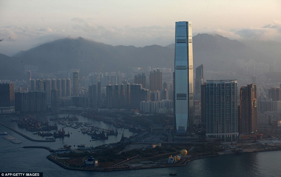 Mr g 39 s musings world 39 s tallest hotel opens in hong kong for Tallest hotel in the world
