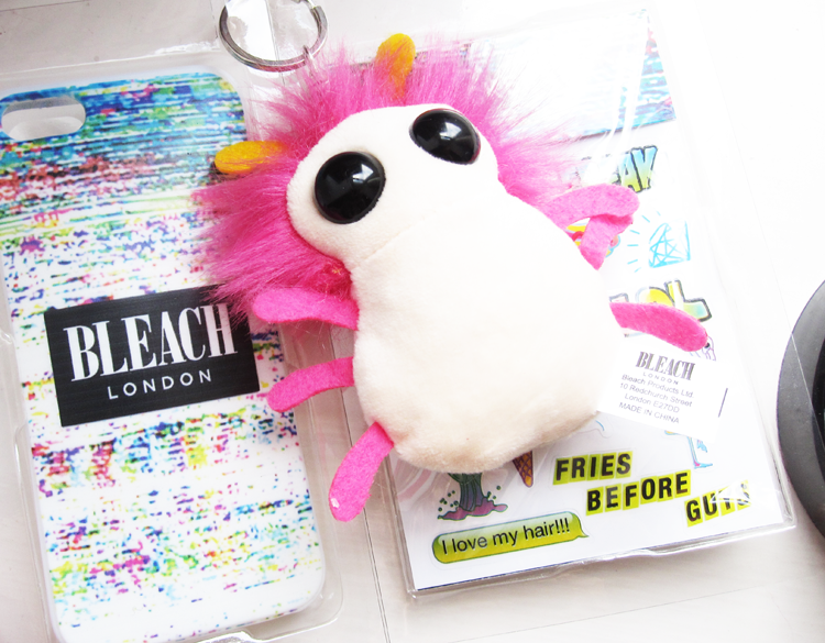 Bleach London Phone Case Gift Set