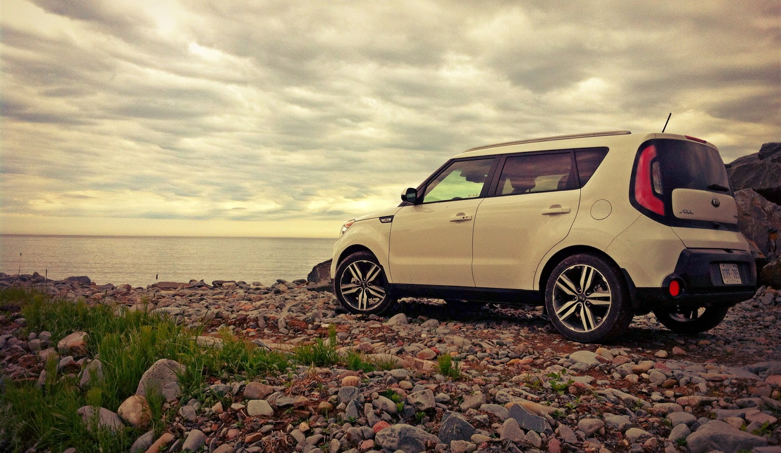 2014 Kia Soul SX Luxury white