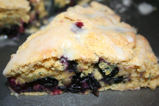Vegan D'Lites: Blueberry Cornmeal Scones