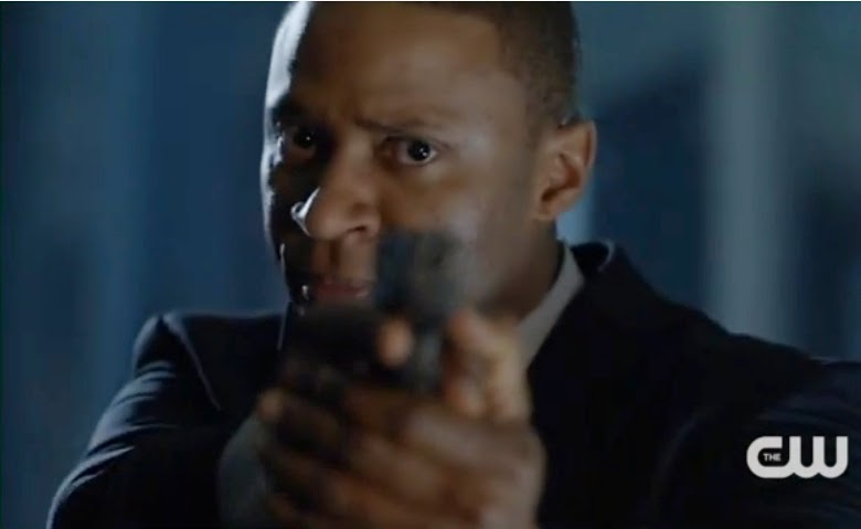 Arrow Trust But Verify Season 1 Episode 11 Diggle photos images screencaps gun