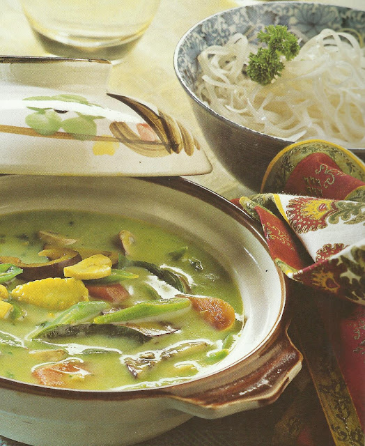 Green Vegetable Thai Curry In Microwave