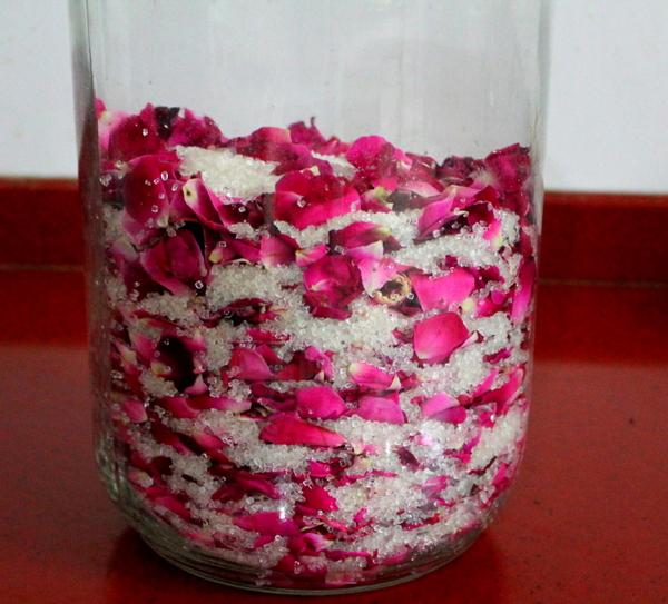 ... ribbonstopastas.blogspot.com/2012/06/gulkand-rose-petal-preserve.html