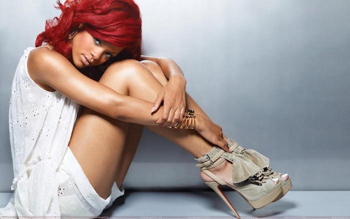 Rihanna HD Desktop Wallpaper -08