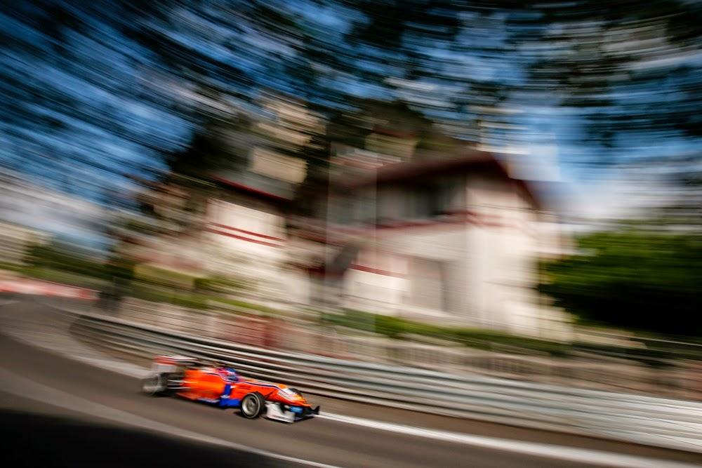 """<img src=""""CalderonGrandPrixdePau.jpg"""" alt=""""Tatiana Calderón en el Grand Prix de Pau FIA F3"""" title=""""Tatiana Calderón en el Grand Prix de Pau"""" />"""