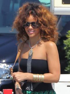Rihanna Big Boobs In Sexy Top