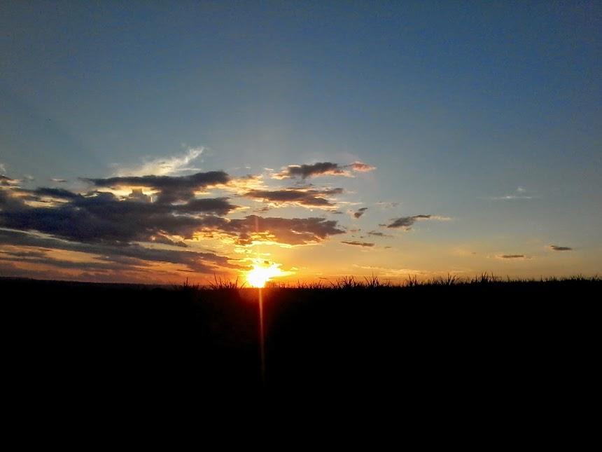 Pôr do sol no meu rincão