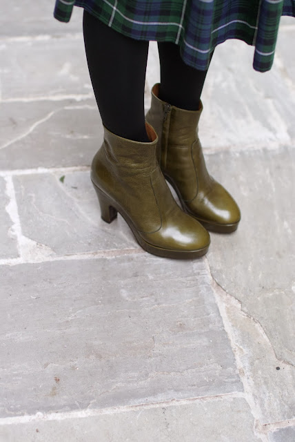 Enrico Antinori green boots, green ankle boots, Fashion and Cookies, fashion blogger