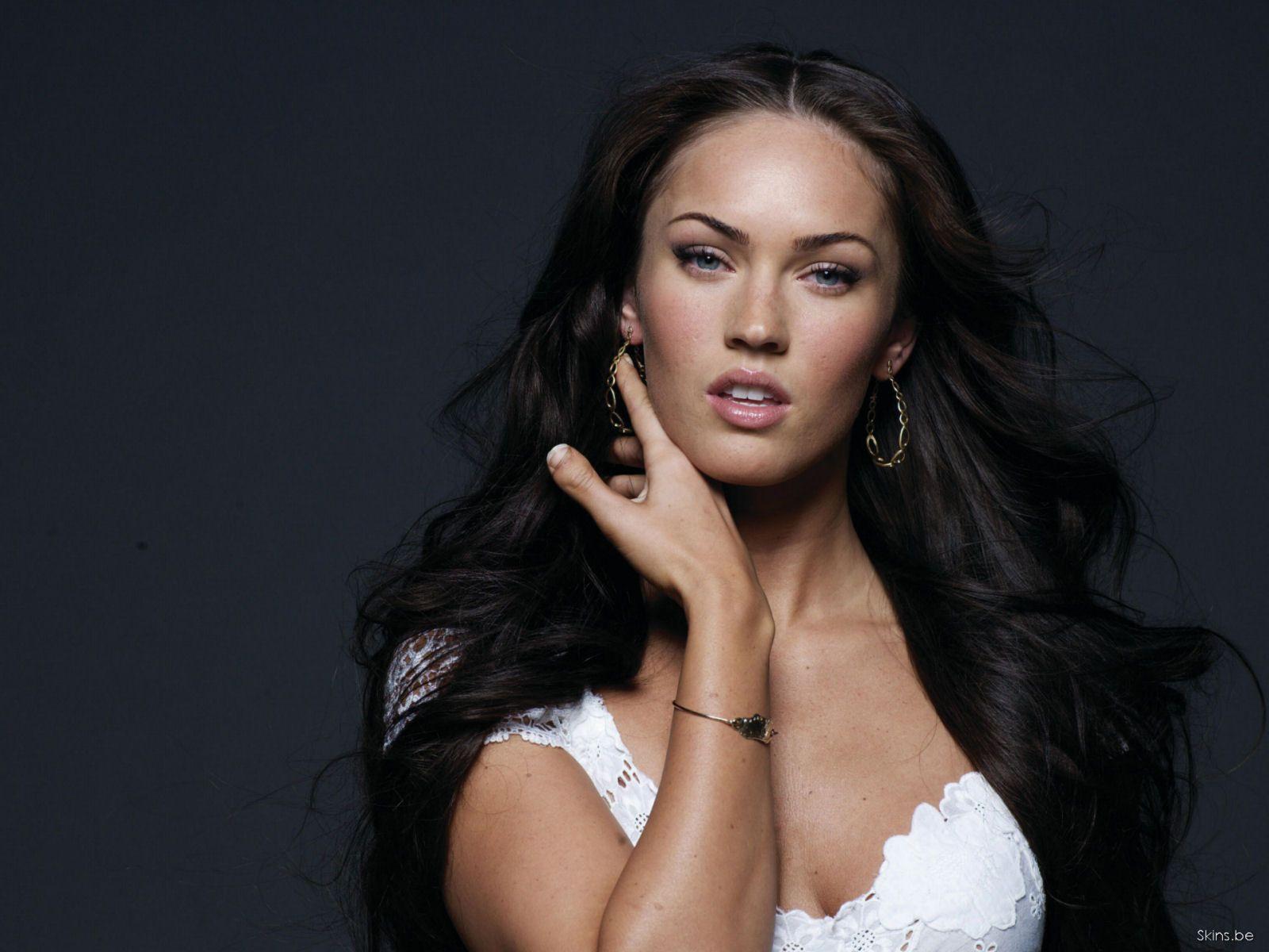 http://2.bp.blogspot.com/-5teEd8ptxY4/T4RVePA9RJI/AAAAAAAAEno/-VipMuTPcj0/s1600/Megan+Fox+Hot+%28119%29.jpg