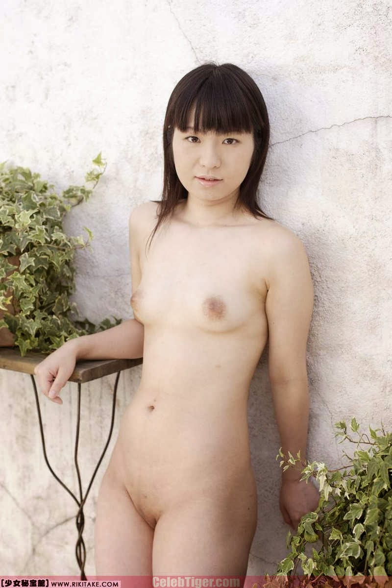 Asian School Girl Tui Kago Nude Outdoor Leaked Photos 2013  www.CelebTiger.com 111 Asian School Girl Yui Kago Nude Outdoor Photos 2013 Part 3