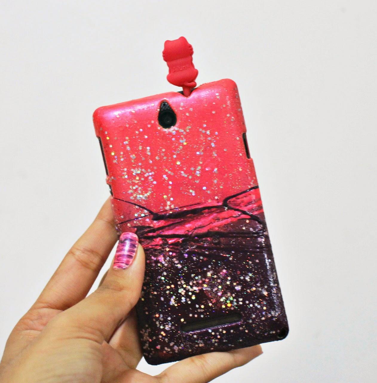 capinha customizada, customização case para celular, capinha feita de esmalte, capinha ombré, capinha roxo e rosa, faça você mesma