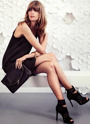 look celebración H&M vestido corto negro bolso