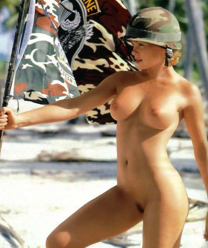 Celeb free nude paparazzi pic
