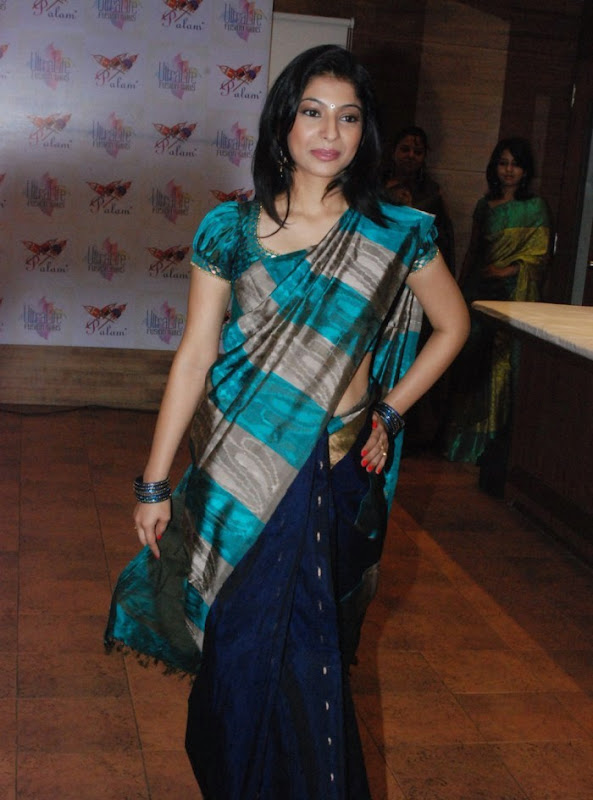 Tamilian style of wearing saree 