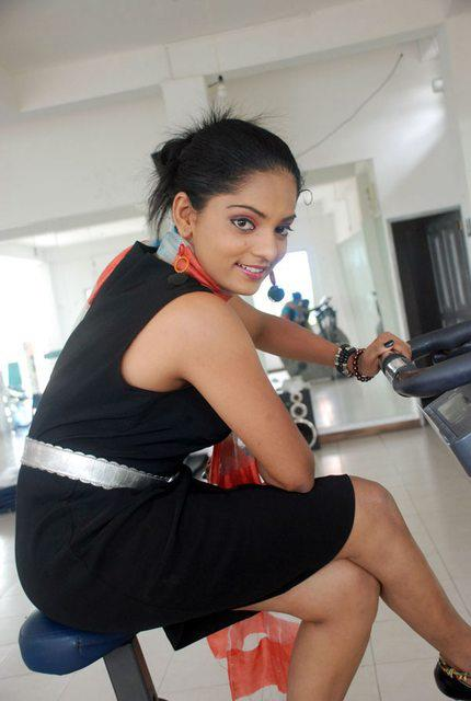 Sri lankan hot actress