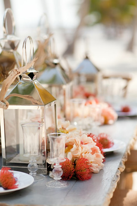 On trend lanterns in your wedding decor erin volante for Pretty wedding table decorations